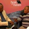 """Offrande-Après JF Ifonge et Shora-Patriarche Emmanuel """"cogne"""" Bishop Kakienza et l'Évêque Mukuna"""