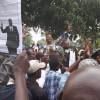 Jeunesse de l'UDPS devant la résidence E.TSHISEKEDI pour lui signifier leur confiance à Felix TSHISEKEDI comme Premier Ministre [AUDIO]