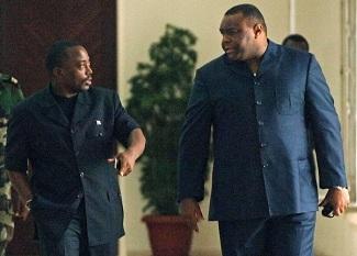 Presidential candidates Joseph Kabila (L