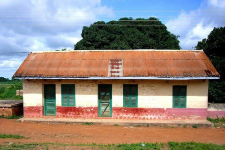 Ghana-World-Heritage-Ashanti-house-450x301