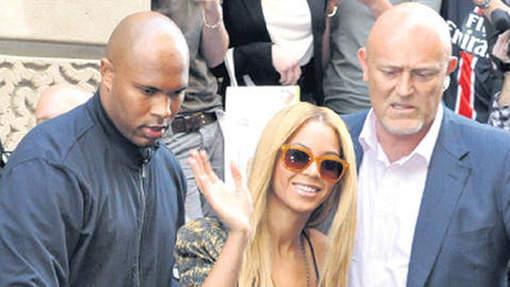 Norman Oosterbroek (à droite) était notamment le garde du corps de Beyoncé © bruno