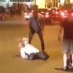 Vidéo de Kanye West qui terrasse les paparazzis à coup de poing, n'est probablement pas Kanye