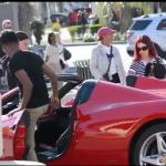Caméra cachée : Draguer des filles à l'aide d'une Ferrari