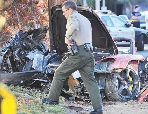 accident_scene_Paul_walker_1