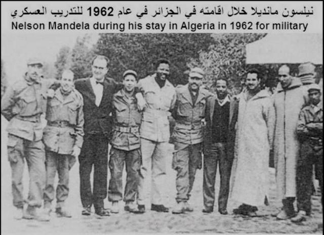 Toujours en Algérie avec des membres de l'Exercice de Libération Nationale Algérien