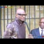 "Roger Ngandu de Wenge BCBG rend hommage à King kester Emeneya et chante ""Nzinzi"""