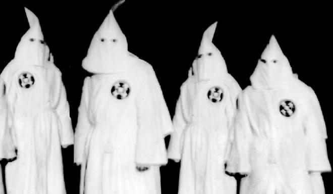 ku-klux-klan-members-full-hooded-regalia