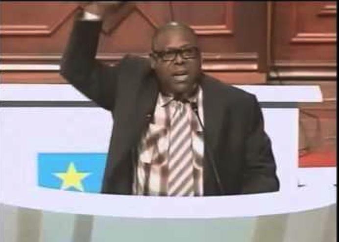 Le Député Zacharie Bababaswe au parlement
