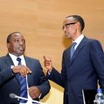 Perezida-Kagame-na-Kabila-ubwo-hasinywaga-amasezerano-yo-kugarura-amahoro-muri-DRC.-Photo-PPU