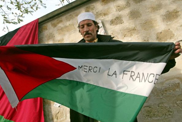 FRANCE-MIDEAST-PALESTINIAN-ARAFAT-FLAG