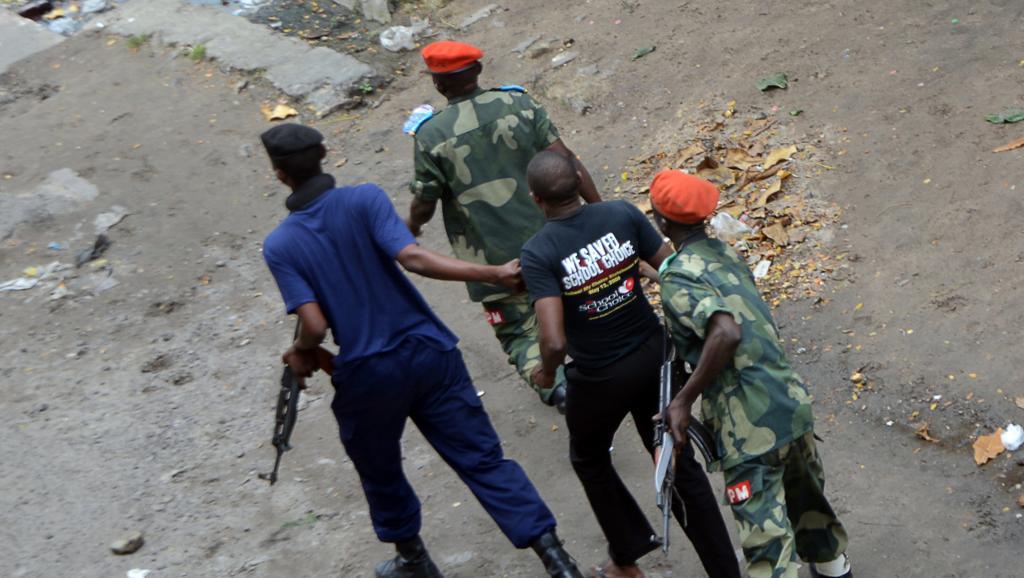 Lors des manifestations contre le pouvoir de Joseph Kabila, la police a procédé à des arrestations le 19 janvier 2015 à Kinshasa. AFP/Papy Mulongo