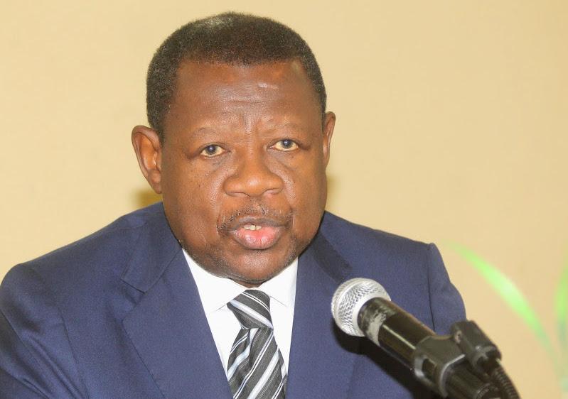 Mende annonce l'auto-exclusion de Kamitatu, Kyungu, Lumbi et autres de la Majorité Présidentielle (VIDEO)