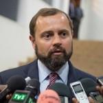 L'envoyé spécial des USA pour la région des Grands-Lacs s'invite chez Dos Santos : Tom Perrielo au sommet de Luanda