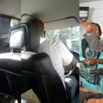 FELIX TSHISEKEDI dit des VÉRITÉS et Conscientise les Policiers qui l'empêchent d'entrer sur la rue Petunia à Limeté [VIDÉO]