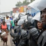 Une cinquantaine de jeunes «innocents» arrêtés à Mombele lors d'une traque des évadés de Makala