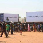 Angola : Sindika Dokolo vole au secours des refugiés congolais