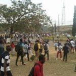Urgent : Tension au campus de l'UNIKIN, véhicules brûlés, coups de feu entendus
