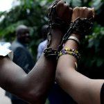 Esclavagisme en Libye : Des jeunes congolais ont manifesté devant l'ambassade de la Libye à Kinshasa
