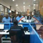 De retour à Kinshasa : Fatshi a fait la queue comme un passager ordinaire à l'aeroport de N'djili