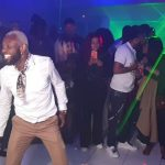 [VIDEO] Fàbregas dans la peau de Fally, Ferré, Koffi, Werrason abini musique na bango nionso…