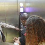 Insolite – Sud Kivu : Le gouverneur a.i fait le déplacement pour inaugurer…un ascenseur à Bukavu