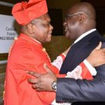 RDC : Au nom de l'Etat Felix Tshisekedi offre une jeep à Fridolin Ambongo pour sa création comme cardinal