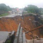 Kinshasa : La route Université coupée en deux après une forte pluie
