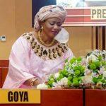 Saga au Sénat : Alexis Thambwe s'excuse et offre une gerbe de fleurs à Bijoux Goya