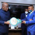 RDC : Junior Makabu présente sa ceinture à Félix Tshisekedi