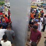 """Kinshasa : Un monolithe """"sorti de nulle part"""" sème la panique dans la commune de Bandal"""