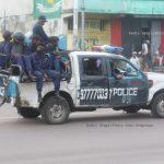 Kinshasa : Une jeep de la police incendiée lors des accrochage entre factions de la communauté musulmane