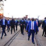 RDC : Félix Tshisekedi a inspecté les travaux de construction du bac promis aux habitants de la ville de Zongo
